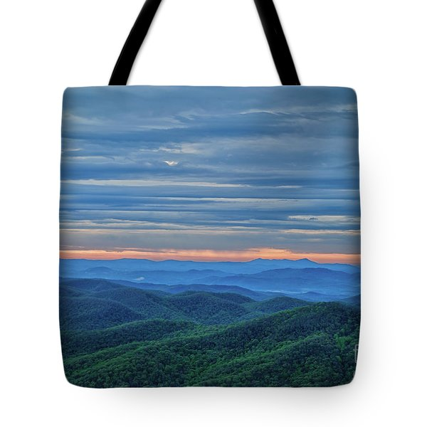 Tote Bag featuring the photograph Sunrise On The Parkway by Claire Turner