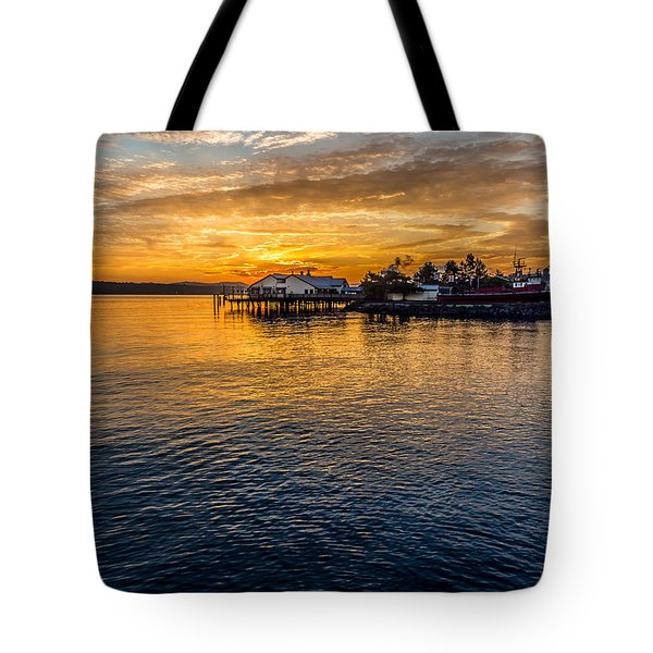 Sunrise Over Commencement Bay Tacoma, Wa Tote Bag