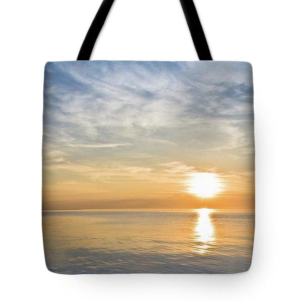 Sunrise Over Lake Michigan In Chicago Tote Bag
