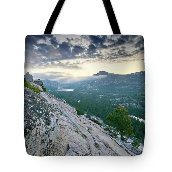 Sunrise Over Tenaya Lake - Yosemite National Park Tote Bag