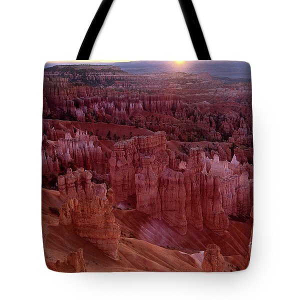 Tote Bag featuring the photograph Sunrise Over The Hoodoos Bryce Canyon National Park by Dave Welling