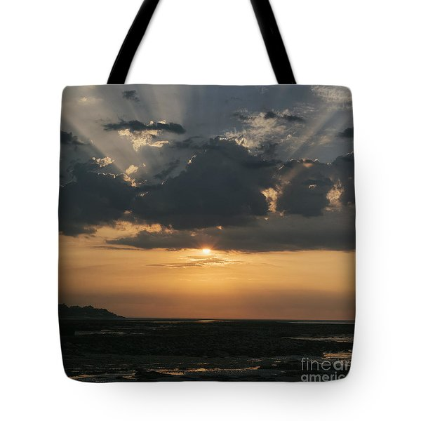 Sunrise Over The Isle Of Wight Tote Bag