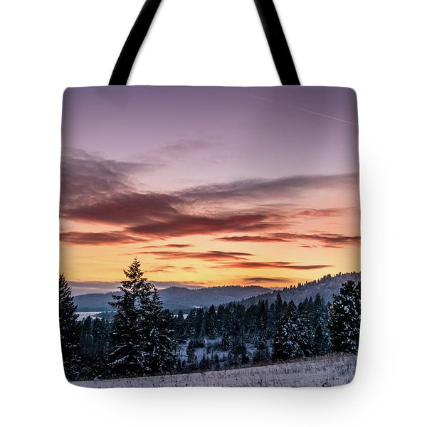 Tote Bag featuring the photograph Sunset And Mountains by Lester Plank