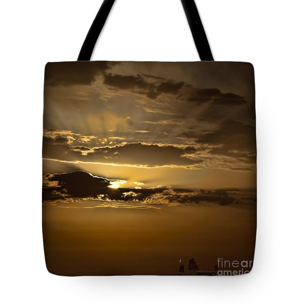 Tote Bag featuring the photograph Sunset And Sanpan by Shirley Mangini