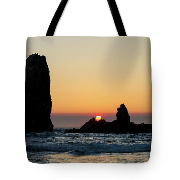 Sunset At Cannon Beach Tote Bag by David Gn
