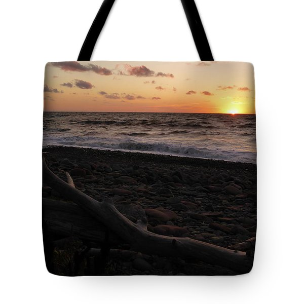 Tote Bag featuring the photograph Sunset At Cap Rouge by Joel Deutsch