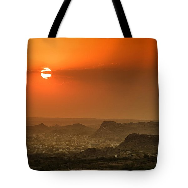 Tote Bag featuring the photograph Sunset At Jodhpur by Yew Kwang