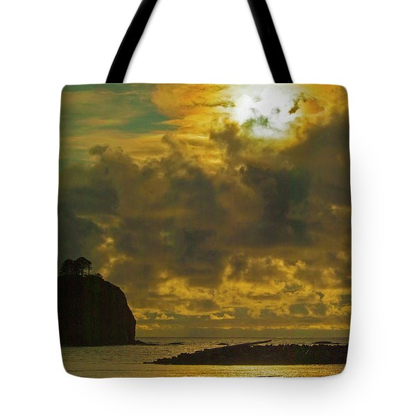 Sunset At Jones Island Tote Bag by Dale Stillman