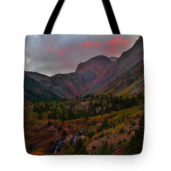 Sunset At Lundy Canyon During Autumn In The Eastern Sierras Tote Bag