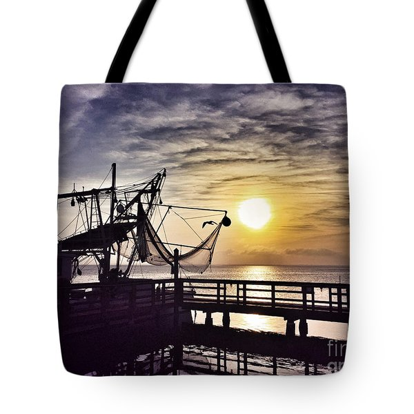 Sunset At Snoopy's Tote Bag