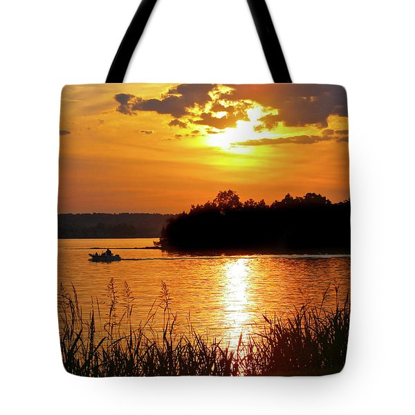Sunset Boater, Smith Mountain Lake Tote Bag