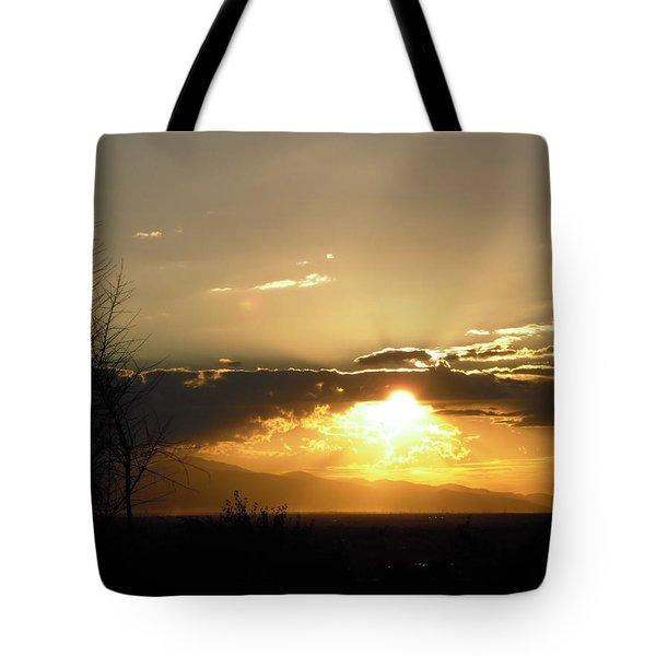 Sunset In Apple Valley, Ca Tote Bag