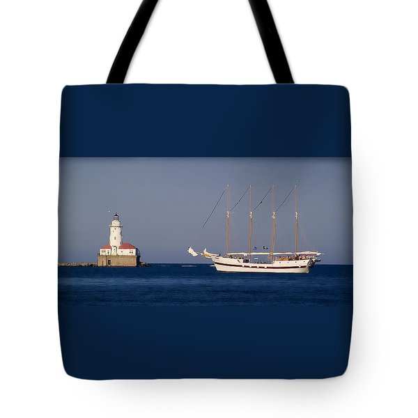Sunset In Chicago Tote Bag by Milena Ilieva