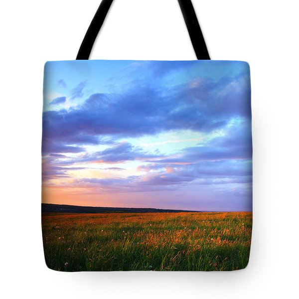 Sunset In Ithaca South Hill Tote Bag by Paul Ge