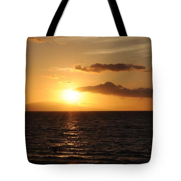 Sunset In Maui Tote Bag by Michael Albright