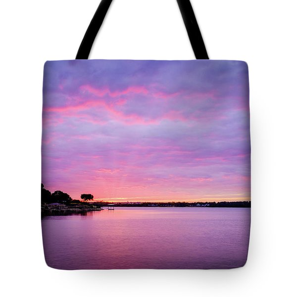Tote Bag featuring the photograph Sunset Lake Arlington Texas by Robert Bellomy