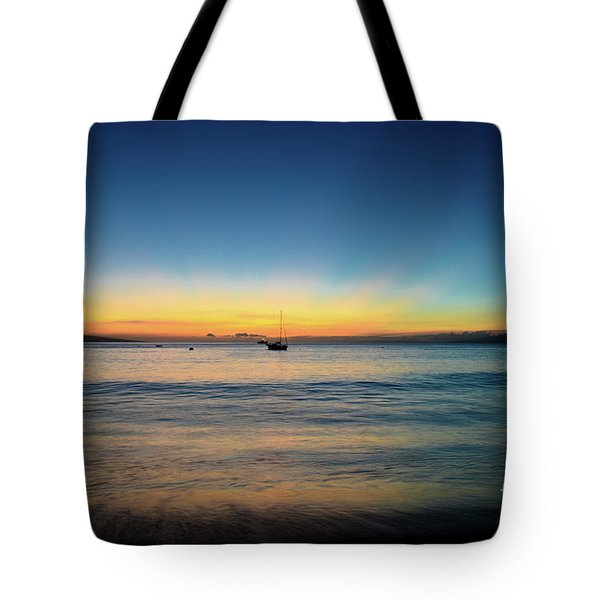 Tote Bag featuring the photograph Sunset On Ka'anapali Beach by Kelly Wade