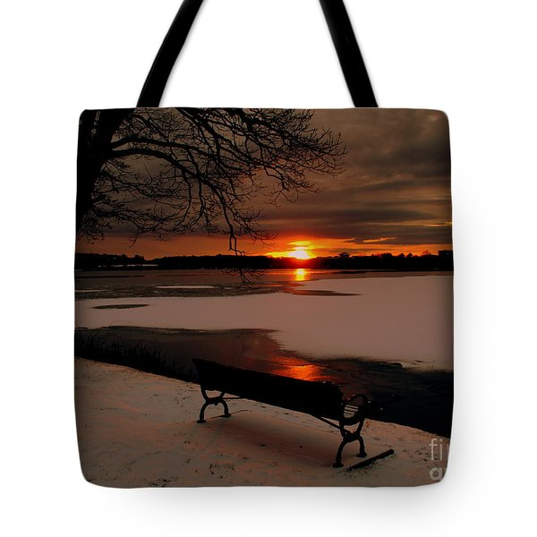 Sunset On Lake Quanapowitt Tote Bag