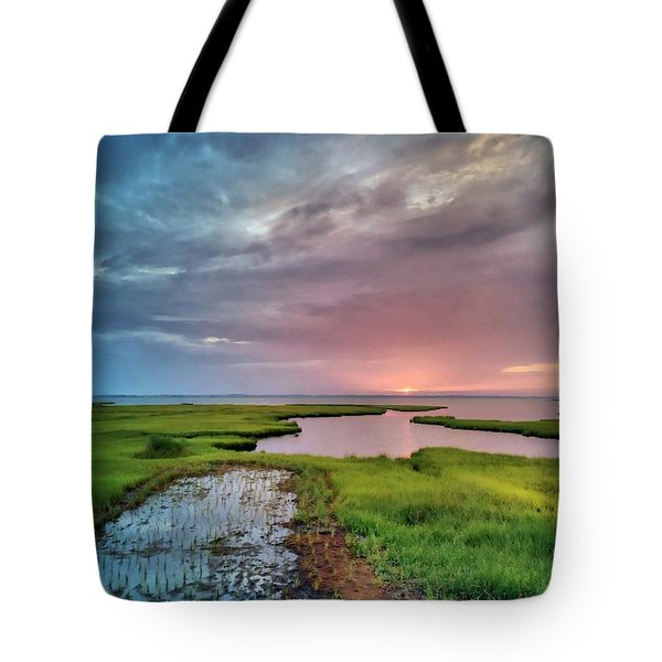 Sunset On The Bay Tote Bag