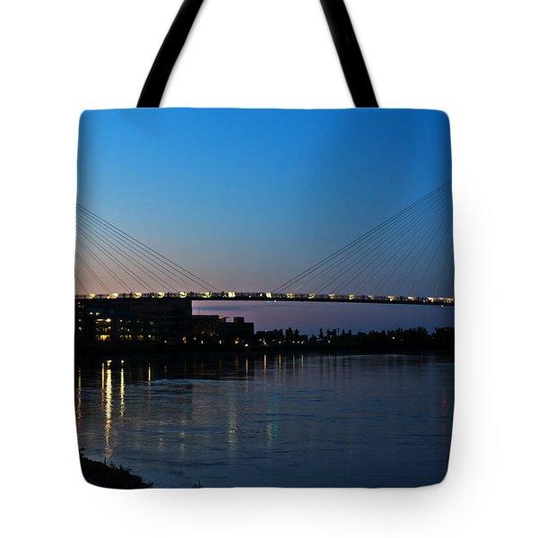 Sunset On The Bob Kerry Pedestrian Bridge Tote Bag