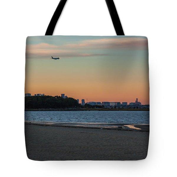 Sunset On Wollaston Beach In Quincy Massachusetts Tote Bag