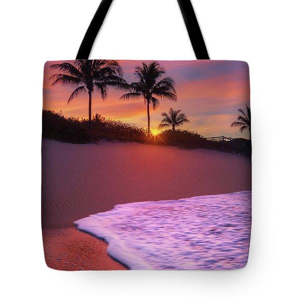 Sunset Over Coral Cove Park In Jupiter, Florida Tote Bag