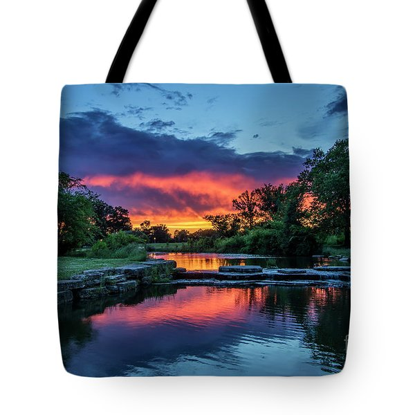 Sunset Over Deer Lake In Forest Park, St Louis, Missouri Tote Bag