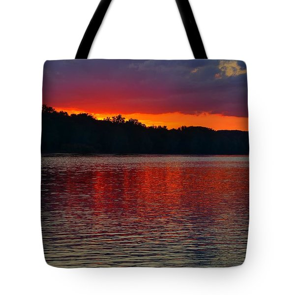 Sunset Over Delaware River At Washington Crossing Tote Bag