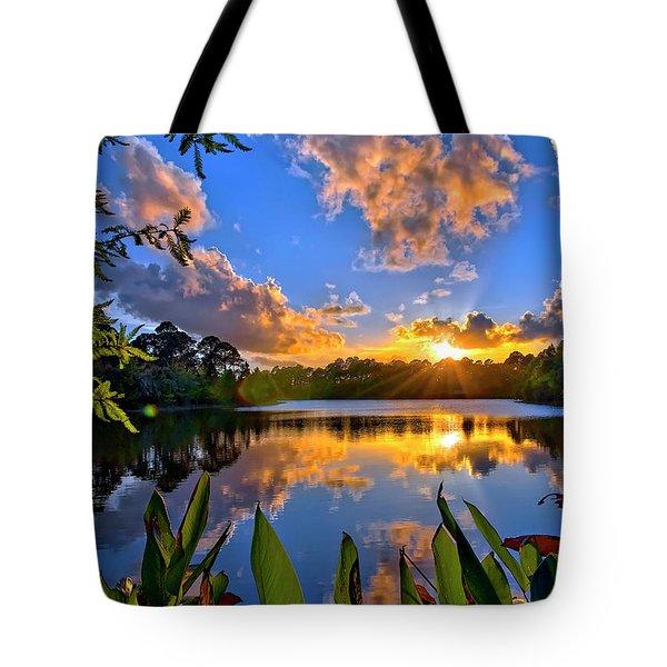 Sunset Over Hidden Lake In Jupiter Florida Tote Bag