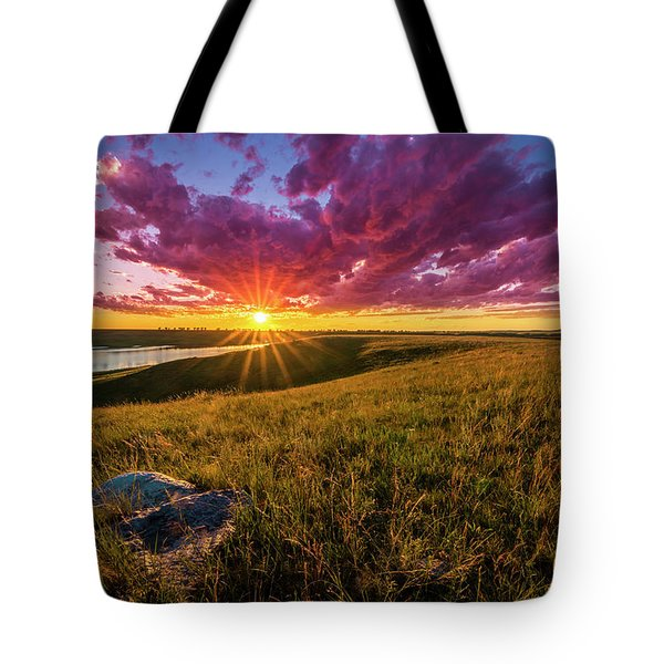 Sunset Over Lake Oahe Tote Bag