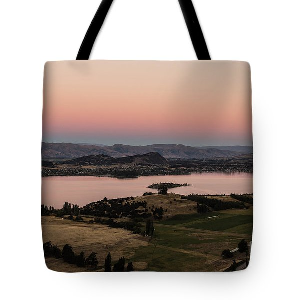 Sunset Over Lake Wanaka In New Zealand Tote Bag