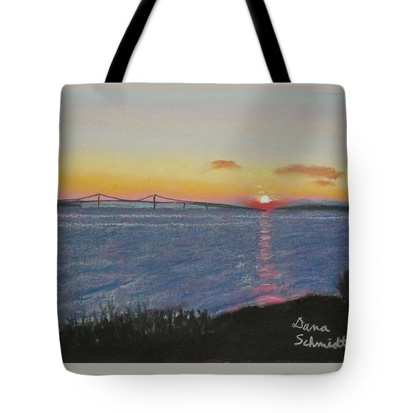 Sunset Over Mackinac Bridge In Mi Tote Bag