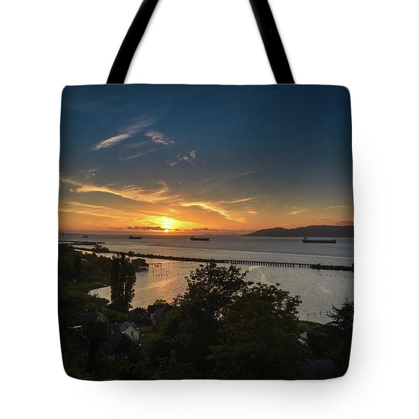 Sunset Over The Columbia River Tote Bag by Joe Hudspeth