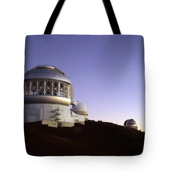 Sunset Over The Mauna Kea Observatories On Kona Tote Bag