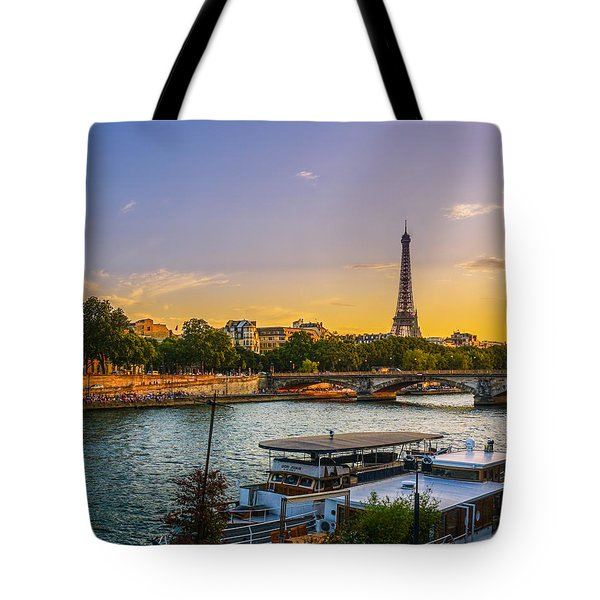 Sunset Over The Seine In Paris Tote Bag
