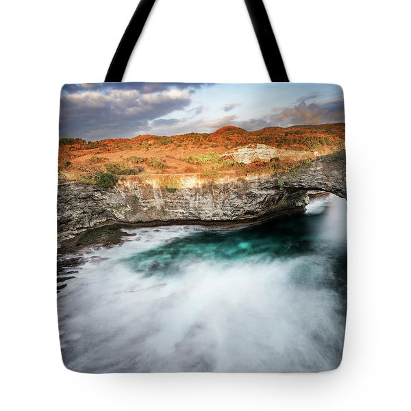 Sunset Point In Broken Beach Tote Bag