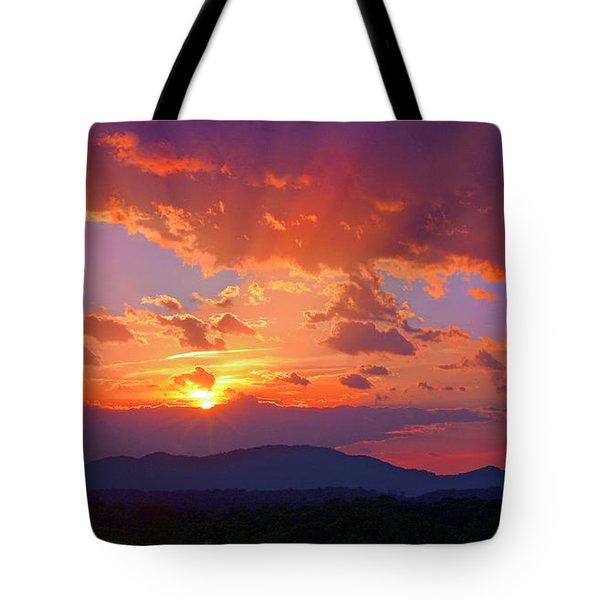 Sunset Rays At Smith Mountain Lake Tote Bag