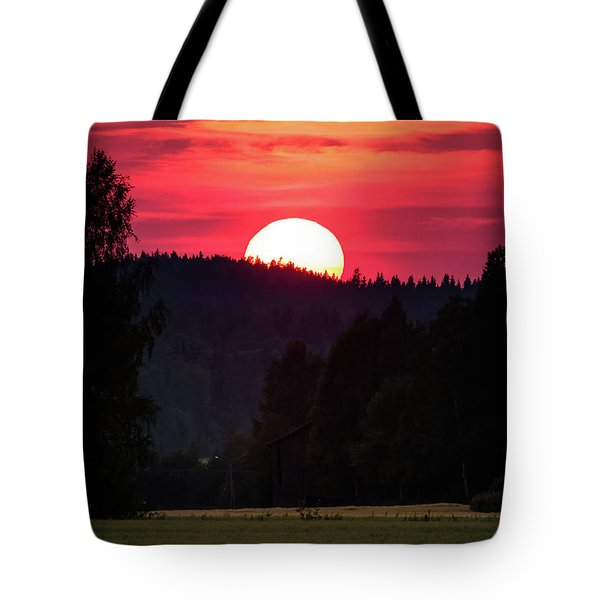 Sunset Scenery Tote Bag by Teemu Tretjakov