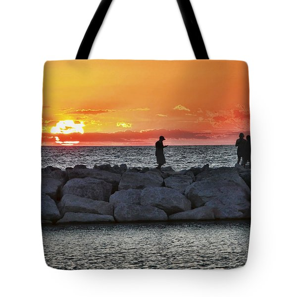 Sunset Silhoutte Tote Bag