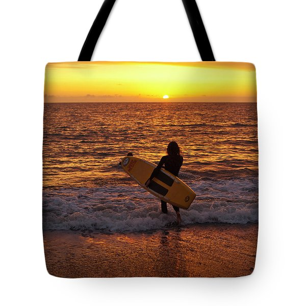 Sunset Surfer On Aberystwyth Beach Wales Uk Tote Bag