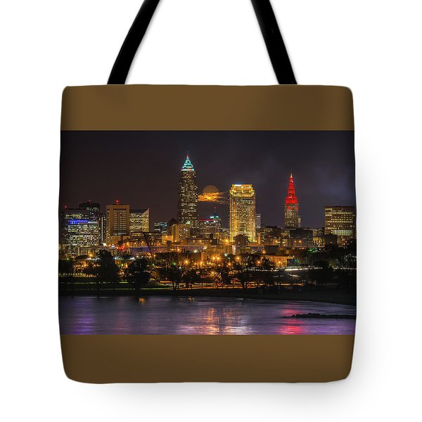 Super Moon 2016 Over Cleveland Tote Bag