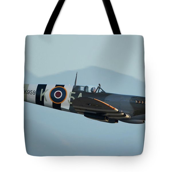 Supermarine Spitfire Lf9c N959rt Chino California April 29 2016 Tote Bag by Brian Lockett