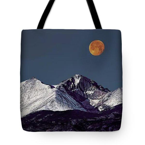 Supermoon Lunar Eclipse Over Longs Peak Tote Bag