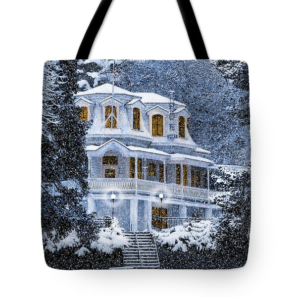 Susanville Elks Lodge At Christmas Tote Bag