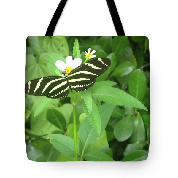 Swallowtail Butterfly On Leaf Tote Bag
