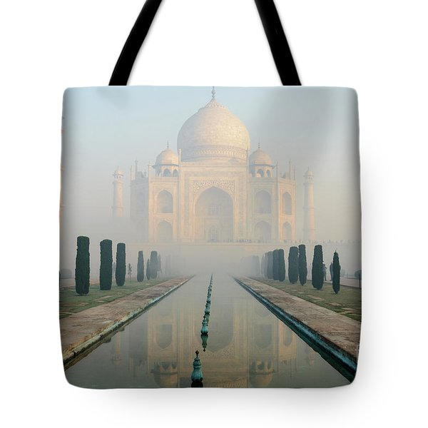 Taj Mahal At Sunrise 02 Tote Bag