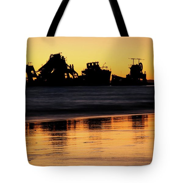 Tangalooma Wrecks Sunset Silhouette Tote Bag
