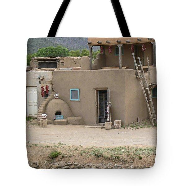 Taos Pueblo Adobe House With Pots Tote Bag