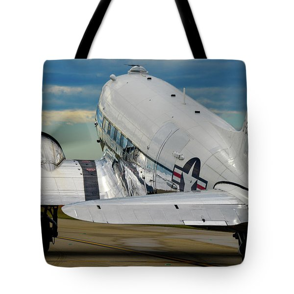 Taxiing To The Active Tote Bag