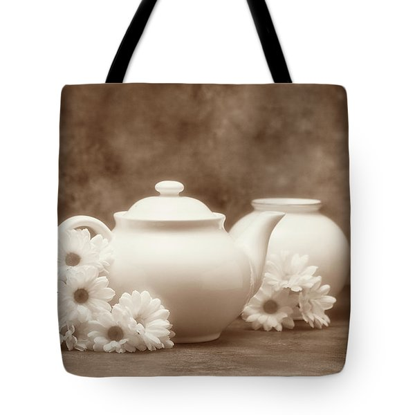 Teapot With Daisies I Tote Bag